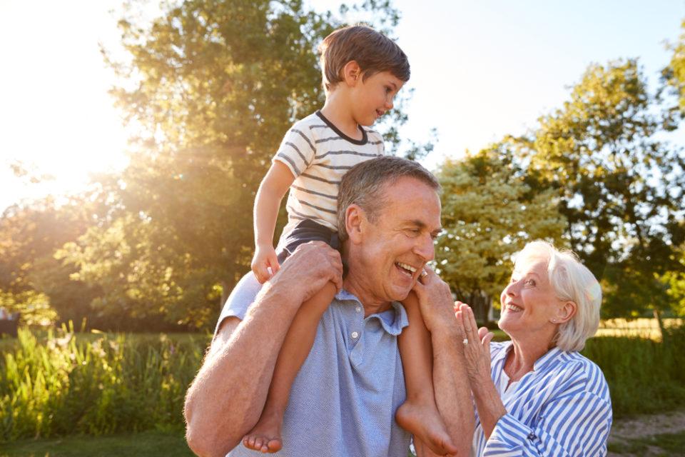Was schenkt man zur Einschulung als Großeltern