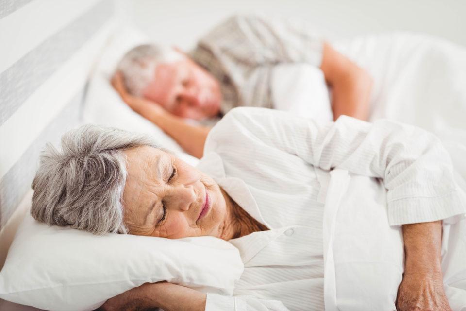 REM Schlaf im Alter verbessern